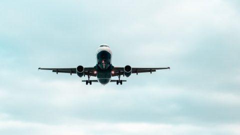 Fluggästen kann eine Entschädigung zustehen, wenn der betroffene Flug außerhalb der EU zwischenlandet