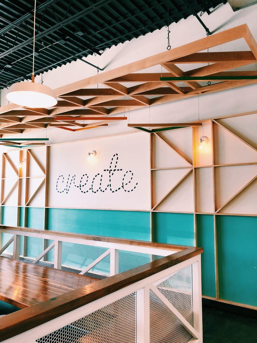 Bild eines kreativen Arbeitsraums